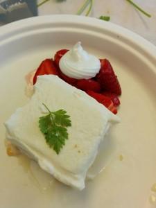 Q2 Wk3: Don't forget dessert! meringue egg science, fruit & cream